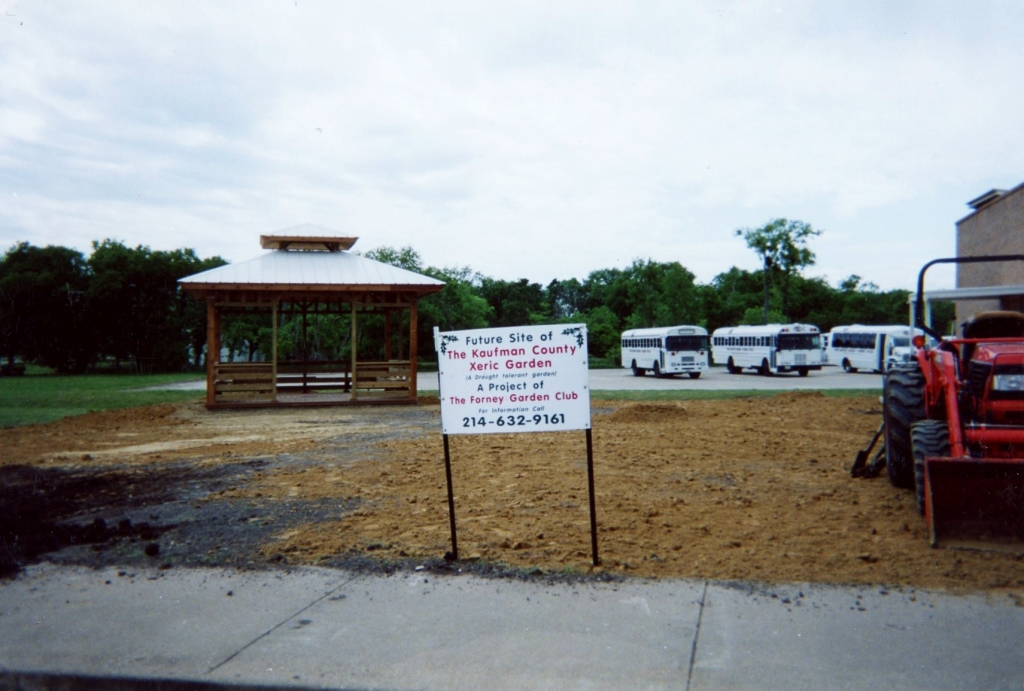 Sign at garden during construction